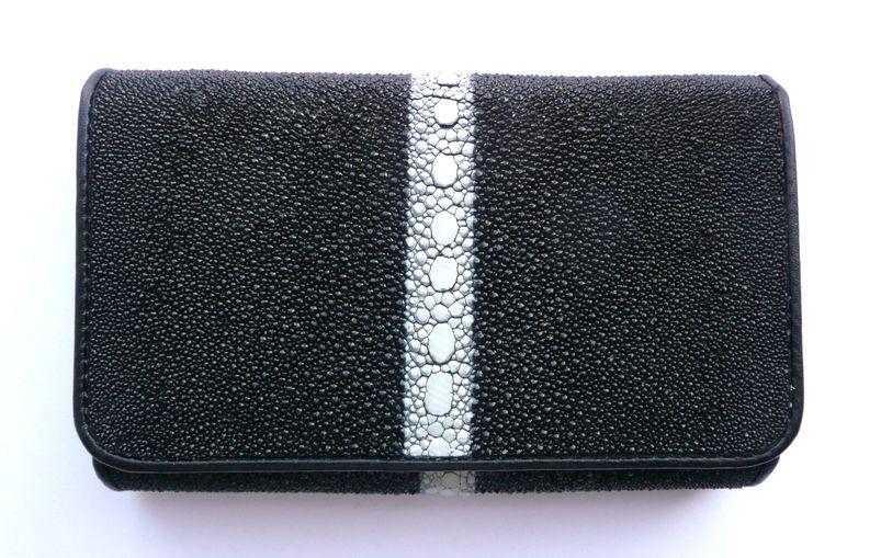 Peněženka z rejnočí kůže černá s kosticí 617