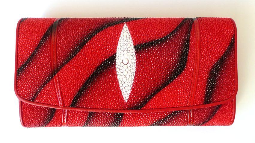 Peněženka z rejnočí kůže červená žíhaná velká 039
