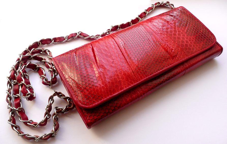 Psaníčko z hadí kůže červené Mořský had s řetízkem 108