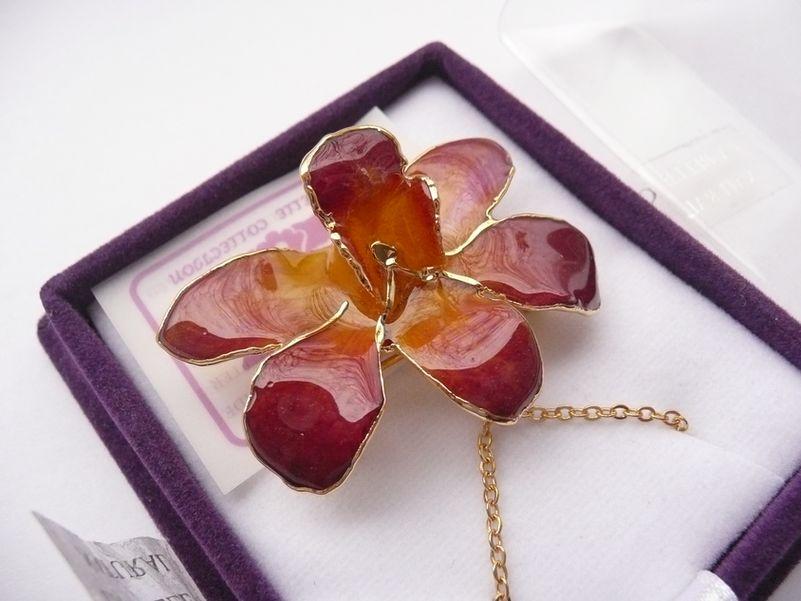 Orchidej ve zlatě fialovo-žlutá malá náhrdelník a brož