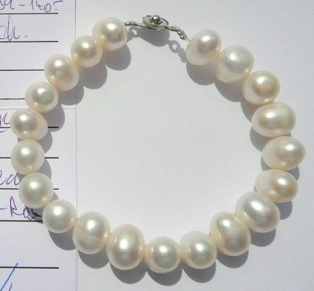Náramek z mořských perel bílý 20 cm