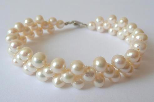 Náramek z mořských perel bílý třířadý 19 cm