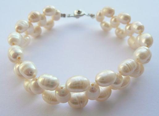 Náramek z mořských perel bílý pletený 19 cm