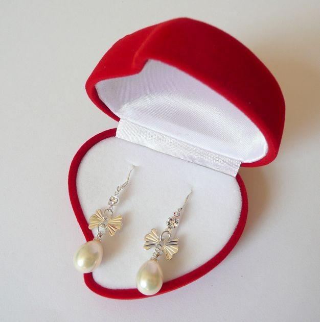 Náušnice s mořskými perlami bílé s mašličkou