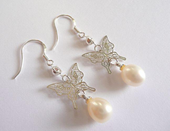 Náušnice s mořskými perlami bílé s motýlem